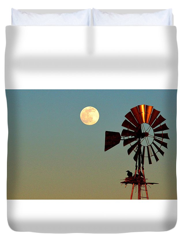 Raven Duvet Cover featuring the photograph Raven's Nest On The Platform by Brent Hall