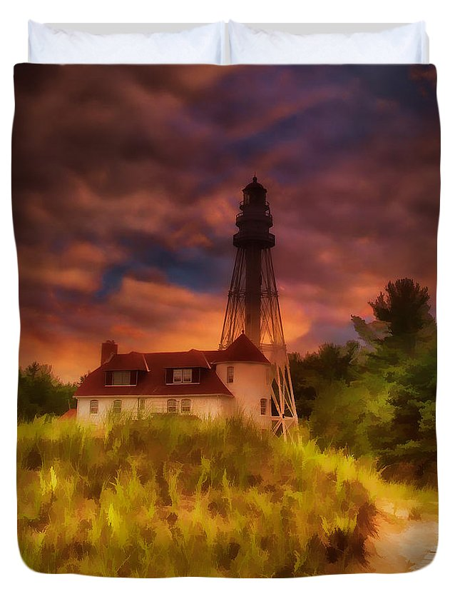 Rawley Point Lighthouse Duvet Cover featuring the photograph Rawley Point Lighthouse by Joel Witmeyer