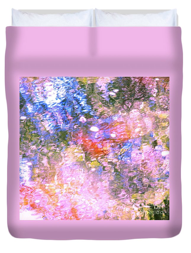 Abstract Duvet Cover featuring the photograph Reaching Angels  by Sybil Staples