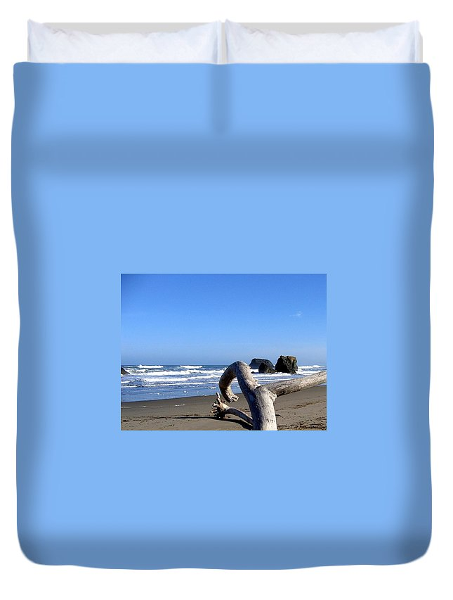 Reaching Back To The Sea Duvet Cover featuring the photograph Reaching Back To The Sea by Will Borden