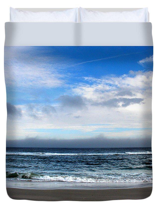 Seascape Duvet Cover featuring the photograph Receding Fog Seascape by Steve Karol