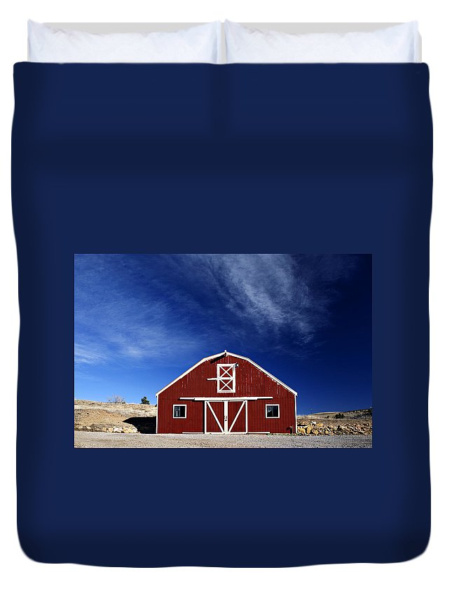 Americana Duvet Cover featuring the photograph Red And White Barn by Marilyn Hunt
