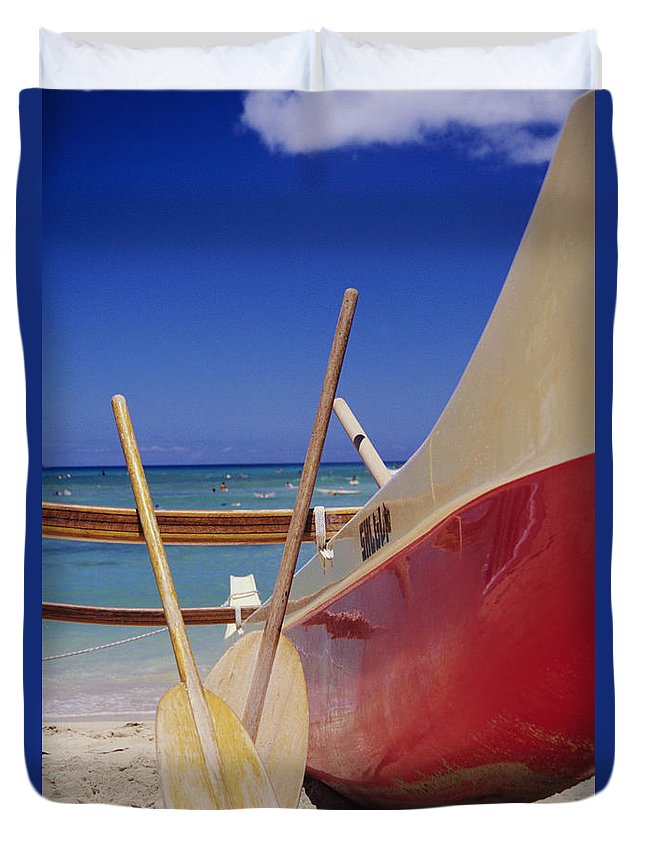 Aku Duvet Cover featuring the photograph Red And Yellow Canoe by Joss - Printscapes