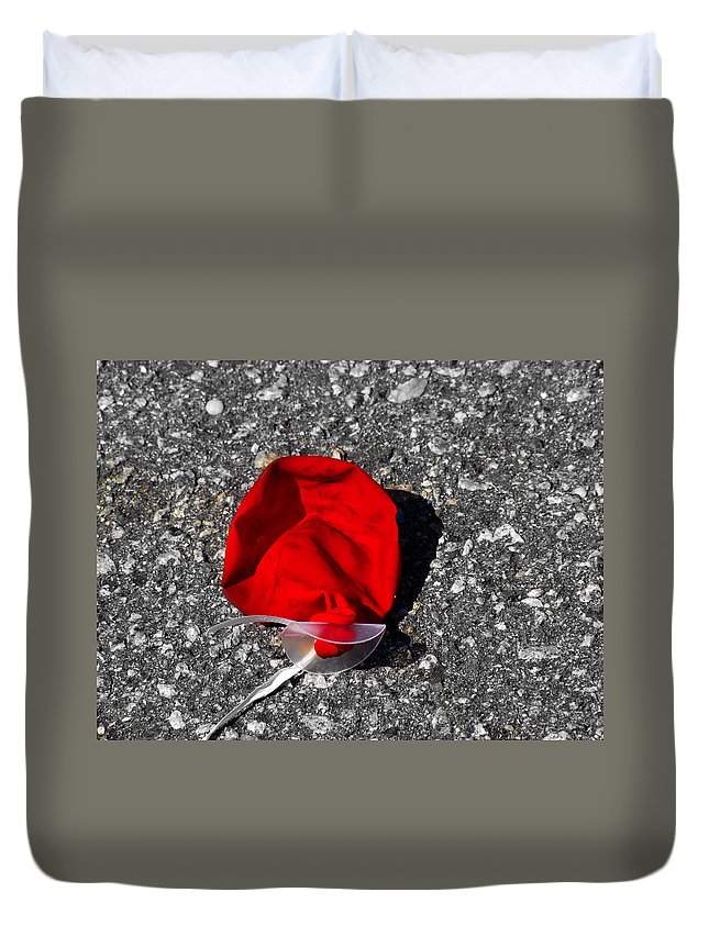Balloon Duvet Cover featuring the photograph Red Balloon II by Gary Adkins