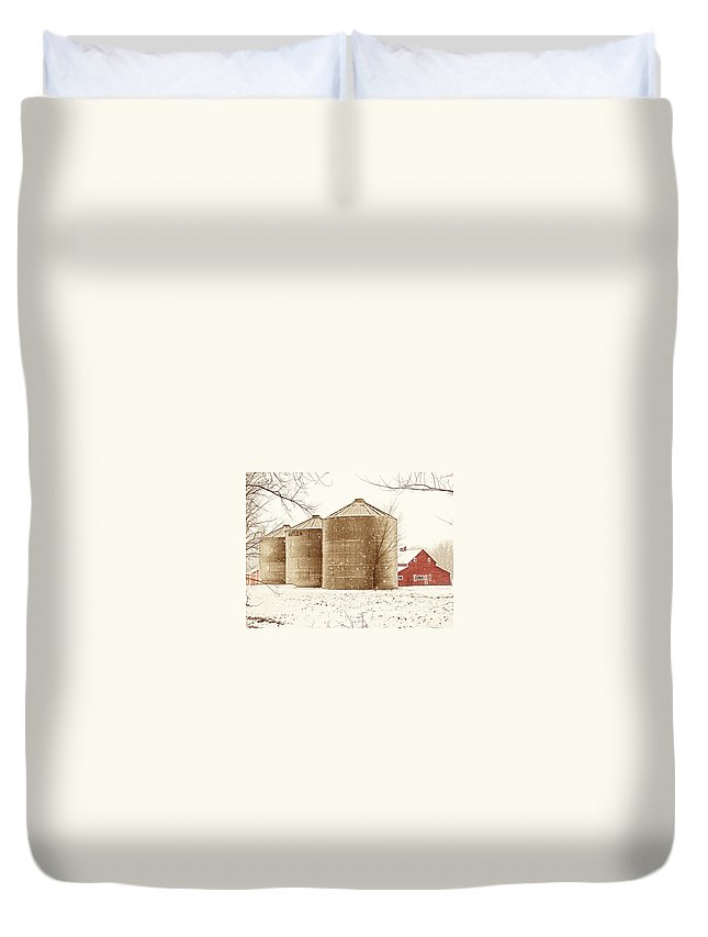 Americana Duvet Cover featuring the photograph Red Barn In Snow by Marilyn Hunt