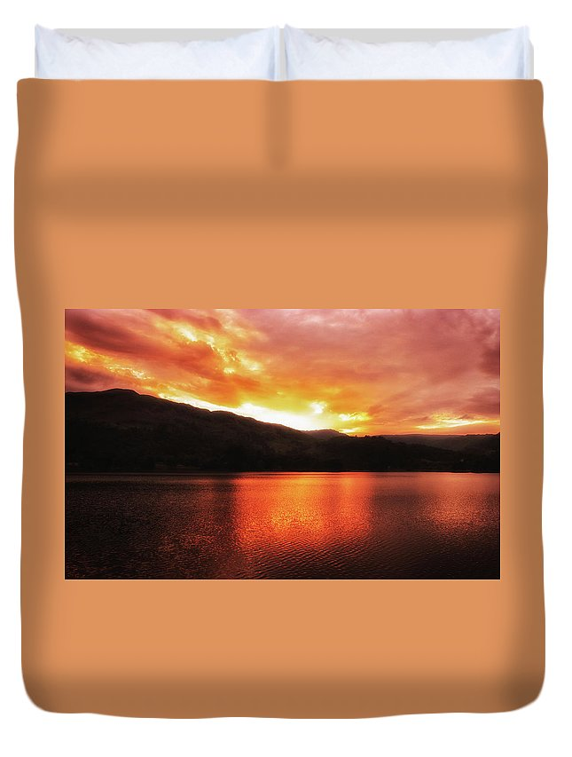 Red Duvet Cover featuring the photograph Red Sky At Night by Martin Newman