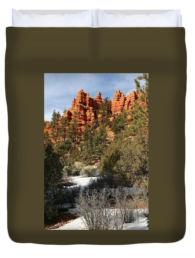 Red Rocks Duvet Cover featuring the photograph Redrock Winter by Nelson Strong