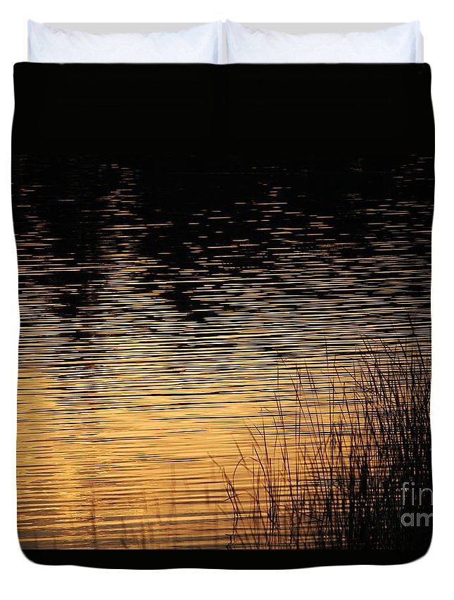Digital Photo Duvet Cover featuring the photograph Reflection On A Sunset by David Lane