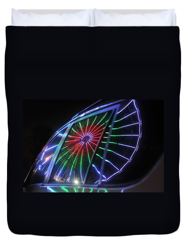 Fair Duvet Cover featuring the photograph Reflections Of Ferris by David Lee Thompson