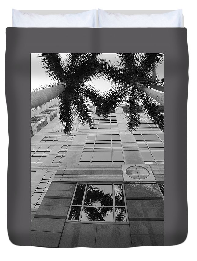 Architecture Duvet Cover featuring the photograph Reflections On The Building by Rob Hans