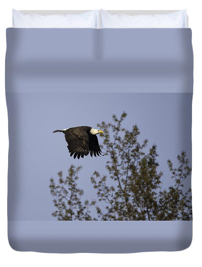 Bald Eagle Duvet Cover featuring the photograph Regal Eagle by Everet Regal