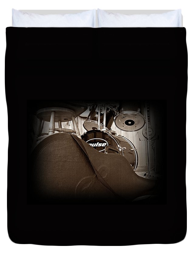 Guitar Duvet Cover featuring the photograph Rehearsal Time by Steve Cochran