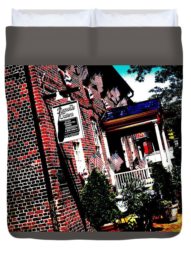 Reynolds Tavern Duvet Cover featuring the photograph Reynolds Tavern Annapolis by Beth Deitrick