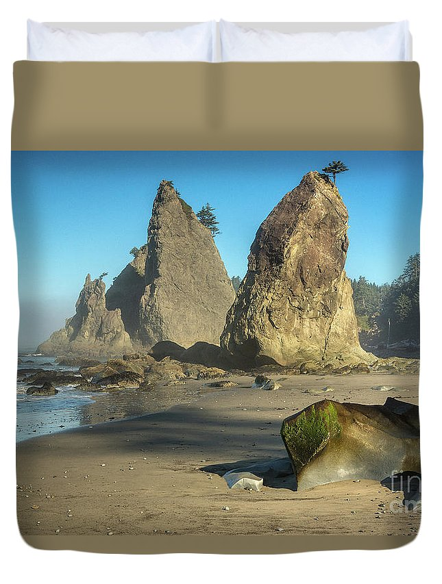 National Duvet Cover featuring the photograph Rialto Beach - 001 by Olivier Parent