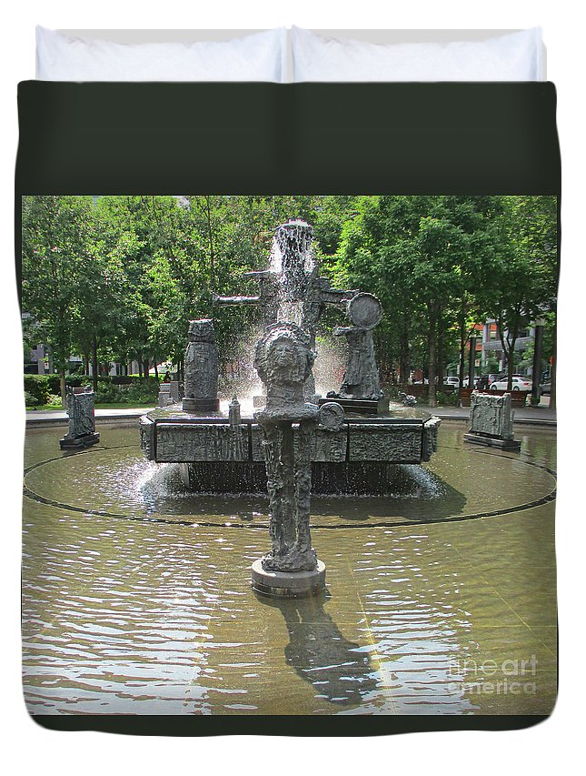 Montreal Duvet Cover featuring the photograph Riopelle Square 1 by Randall Weidner