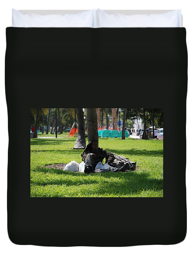 Urban Duvet Cover featuring the photograph Rip Van Winkle by Rob Hans