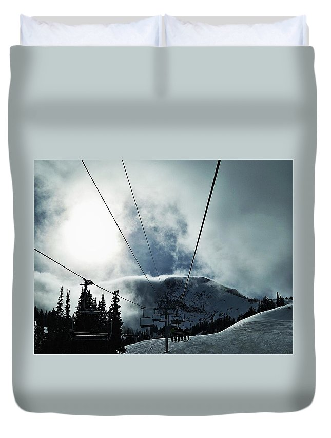 Landscape Duvet Cover featuring the photograph Rise To The Sun by Michael Cuozzo