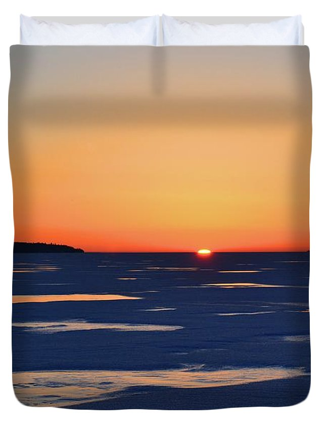 Abstract Duvet Cover featuring the digital art Rising On The Horizon by Lyle Crump