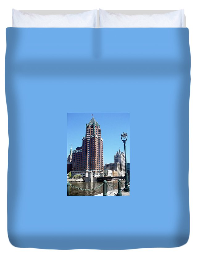 Milwaukee Duvet Cover featuring the photograph River Walk View Photo by Anita Burgermeister
