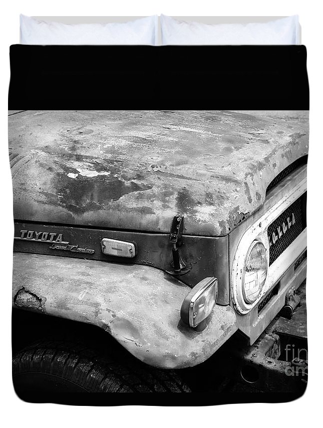Road Hard Duvet Cover featuring the photograph Road Hard by Robert Yaeger