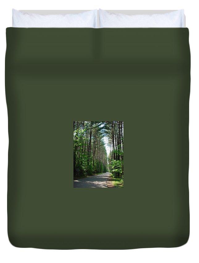 Fish Creek Duvet Cover featuring the photograph Roadway At Fish Creek by Jerrold Carton