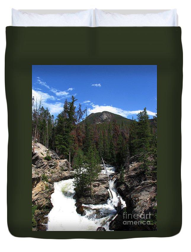 Colorado Duvet Cover featuring the photograph Roar by Amanda Barcon