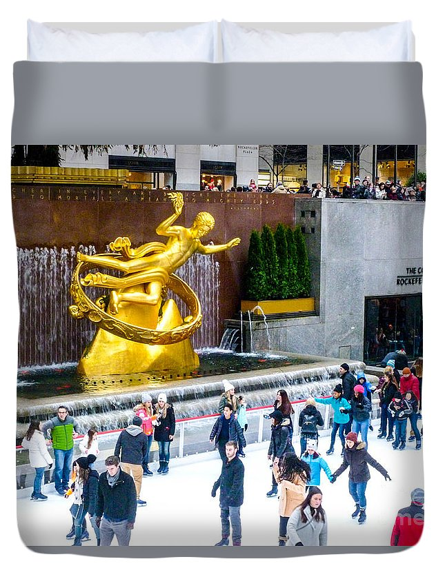 This Is A Photo Of Rockefeller Center Skating Rink In New York City During The Holidays. Duvet Cover featuring the photograph Rockefeller Center Skating Rink New York City by William Rogers