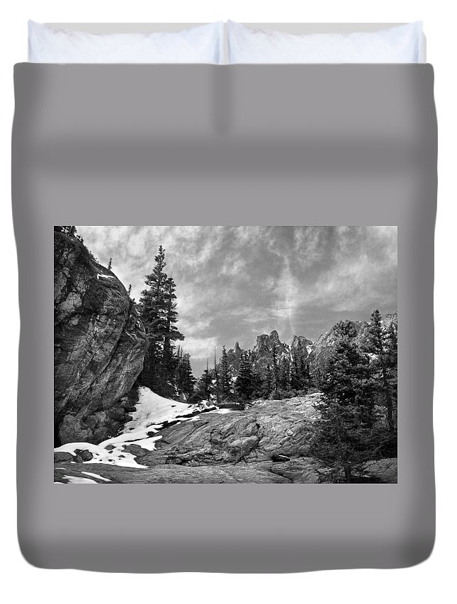 Colorado Duvet Cover featuring the photograph Rocky Mountain Beauty by Marilyn Hunt