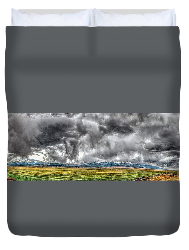 Colorado Duvet Cover featuring the photograph Rocky Mountain Panorama Hdr by Greg Reed