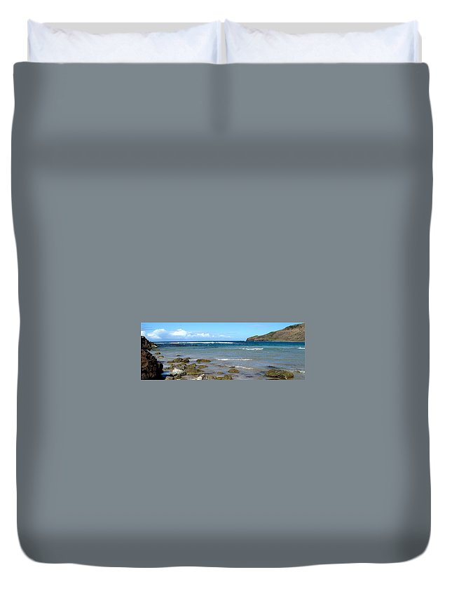 St Kitts Duvet Cover featuring the photograph Rocky Shore by Ian MacDonald