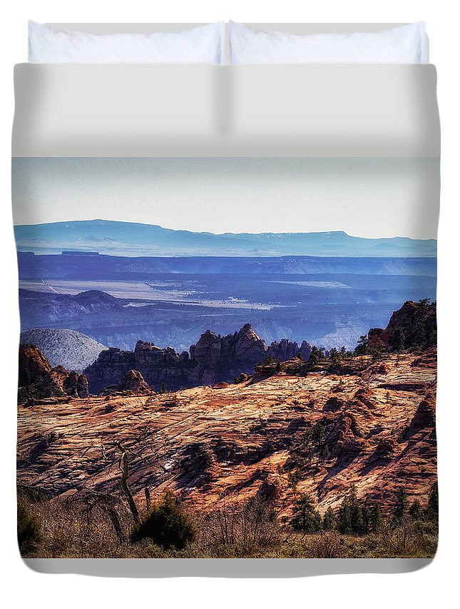 National Park Duvet Cover featuring the photograph Rocky View by Mitch Johanson