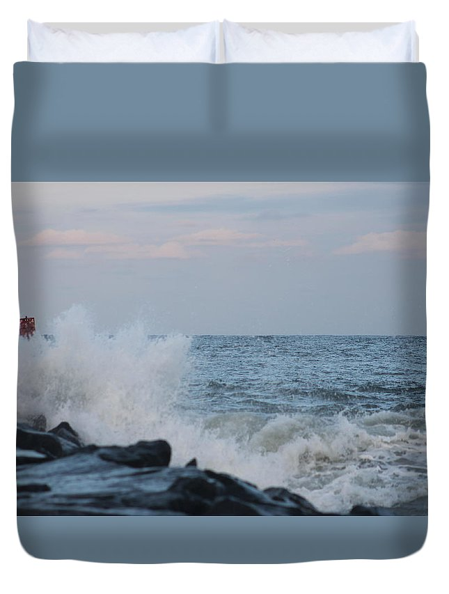 Atlantic Ocean Duvet Cover featuring the photograph Roiling Seas by Robert Banach