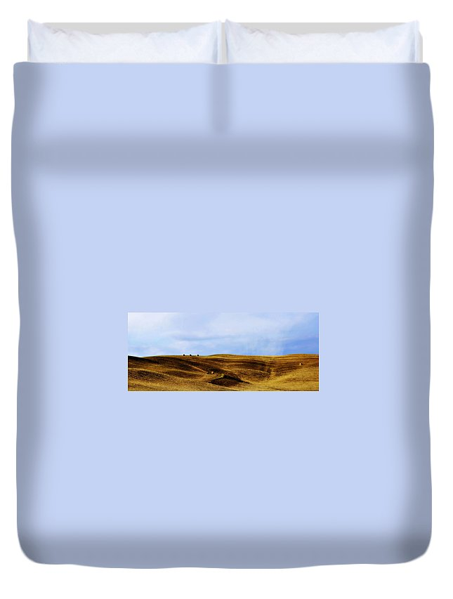 Italy Duvet Cover featuring the photograph Rolling Hills Of Hay by Marilyn Hunt