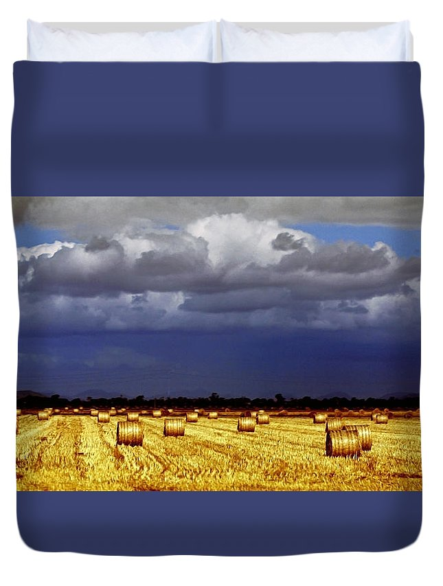 Landscape Duvet Cover featuring the photograph Rolling On by Holly Kempe