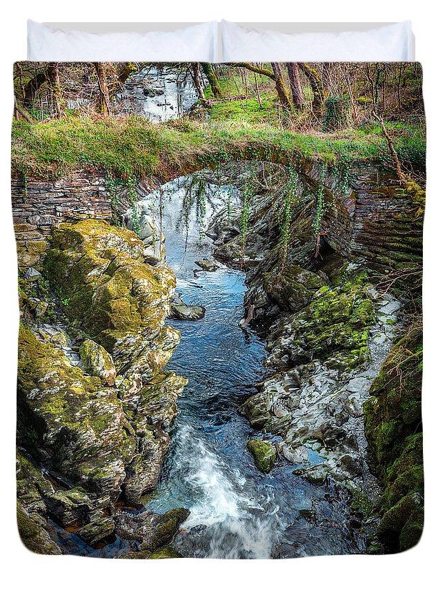 Bridge Duvet Cover featuring the photograph Roman Bridge by Adrian Evans
