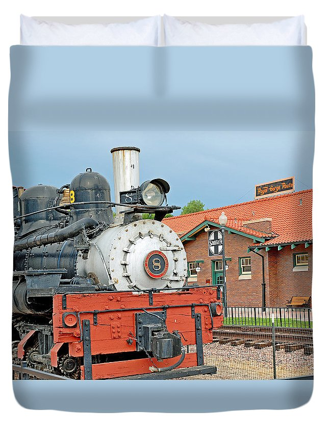 Royal Gorge Duvet Cover featuring the photograph Royal Gorge Train And Depot by Robert Meyers-Lussier