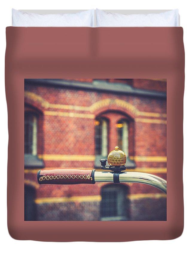 Hamburg Duvet Cover featuring the photograph Rrrrringgg by Berit Schurse