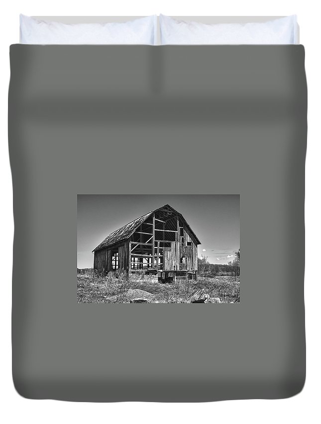 Barn Duvet Cover featuring the photograph Rt 16 Barn 1302a by Guy Whiteley