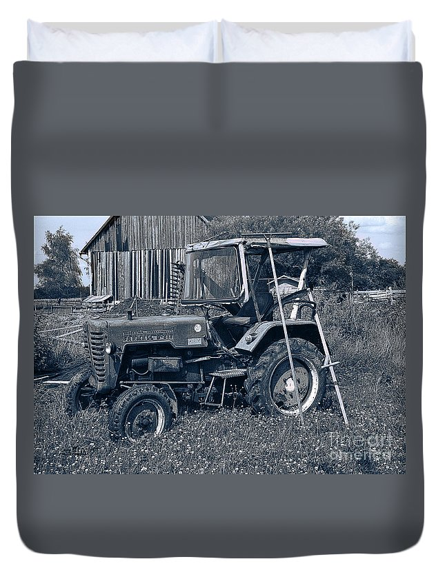 Nostalgia Duvet Cover featuring the photograph Rural Vehicle by Jutta Maria Pusl