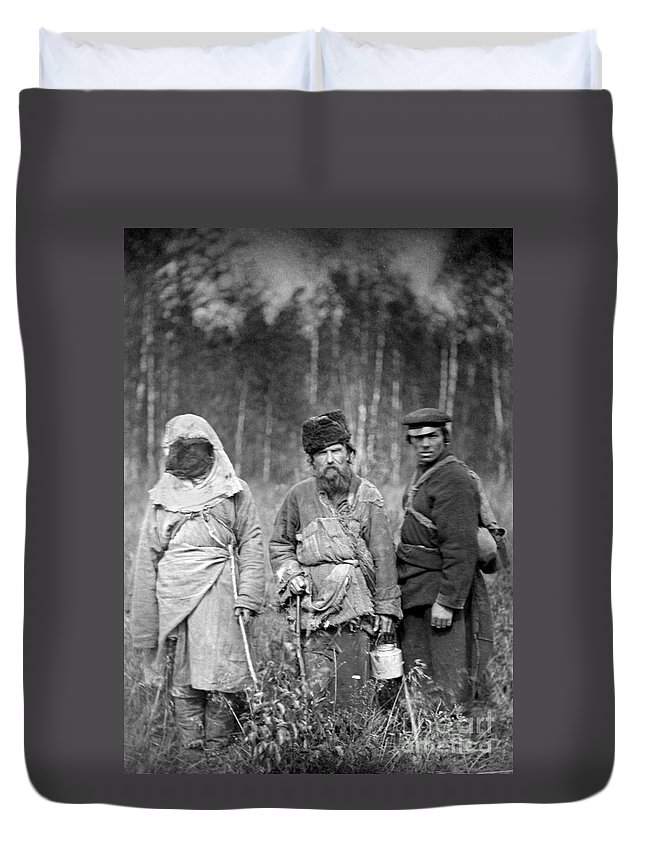 1885 Duvet Cover featuring the photograph Russia: Convicts, C1885 by Granger