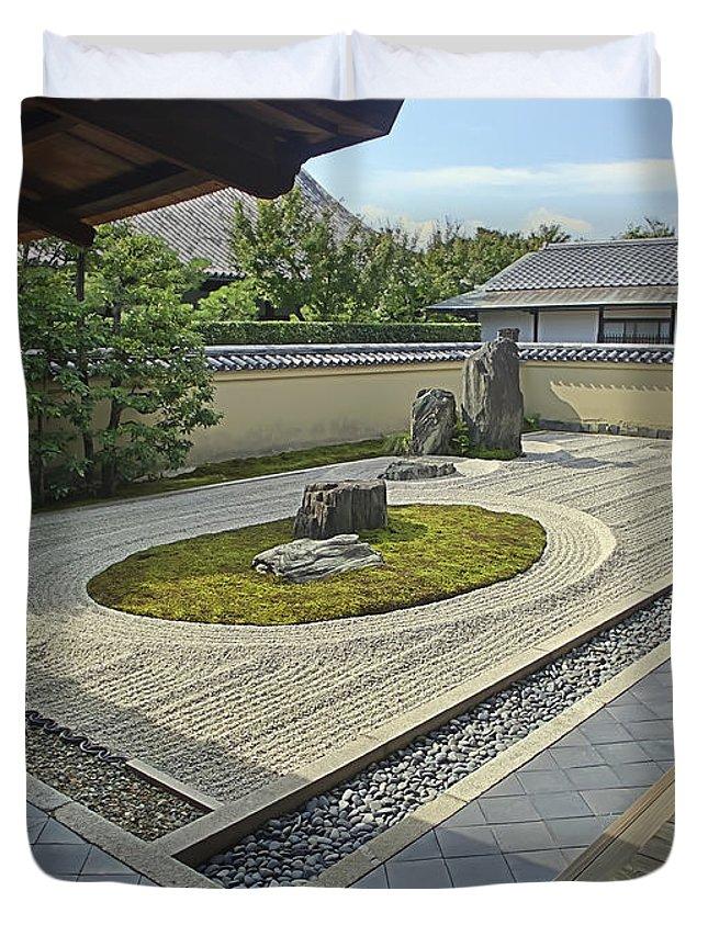 Zen Duvet Cover featuring the photograph Ryogen-in Zen Rock Garden - Kyoto Japan by Daniel Hagerman