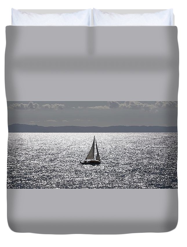 Seascape Duvet Cover featuring the photograph Sail Boat In A Sea Of Diamonds by John Pierpont