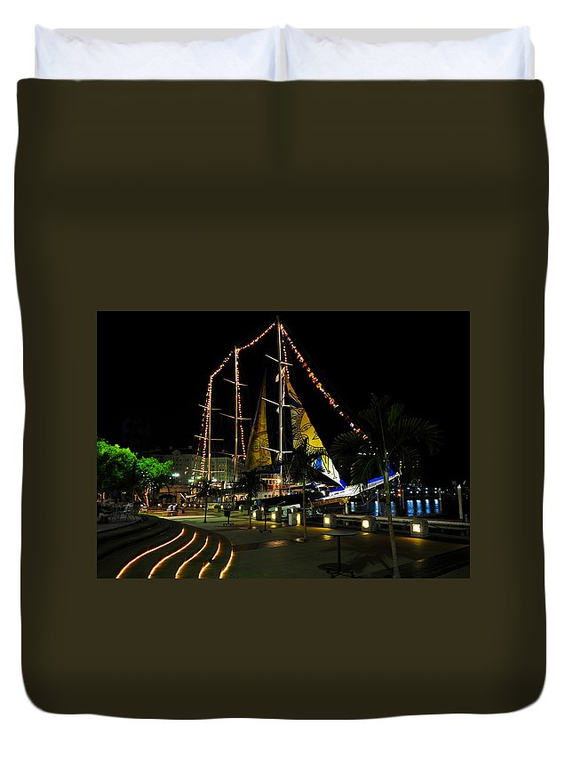 Sail Tampa Bay 2010 Duvet Cover featuring the photograph Sail Tampa Bay 2010 by David Lee Thompson