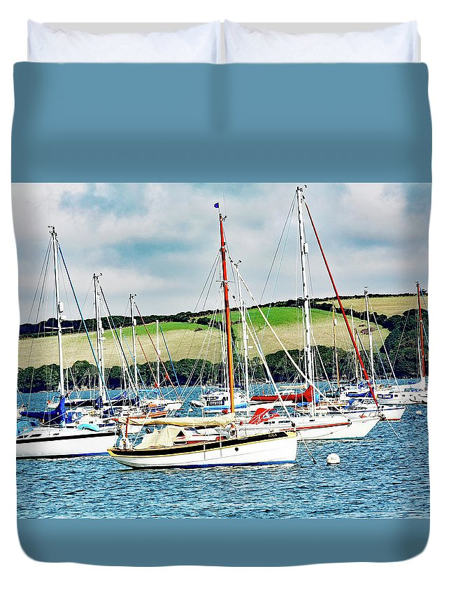 Boat Pics Duvet Cover featuring the photograph Sailing Boats by Ed James