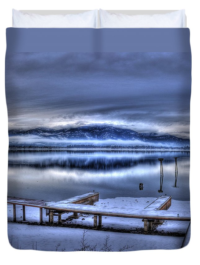 Scenic Duvet Cover featuring the photograph Sandpoint From 41 South by Lee Santa