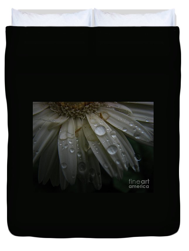 Daisy Duvet Cover featuring the photograph Saturation by Amanda Barcon