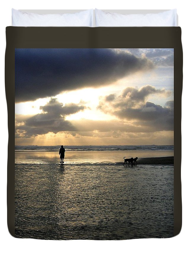 Sky Duvet Cover featuring the photograph Savoring The Moment by Will Borden