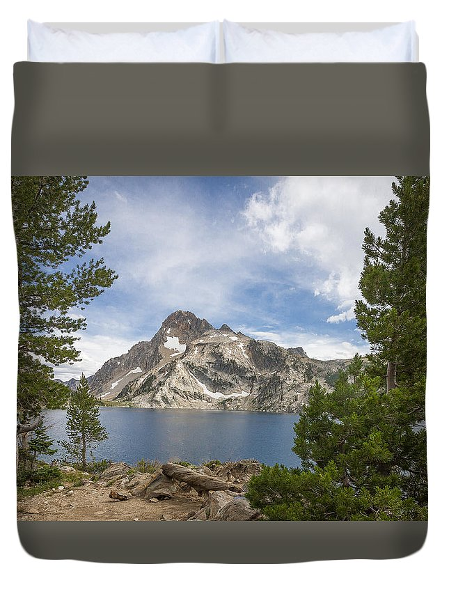 Idaho Duvet Cover featuring the photograph Sawtooth Lake by Dave Hall