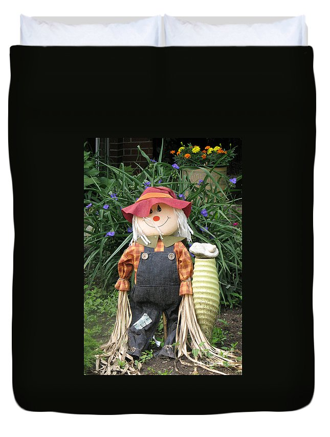Scarecrow Duvet Cover featuring the photograph Scarry Crow by Frank Townsley