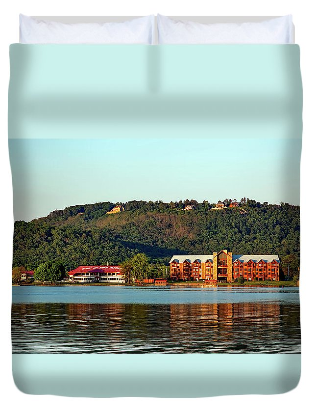 Alabama Duvet Cover featuring the photograph Scenic Lake Guntersville by Mountain Dreams